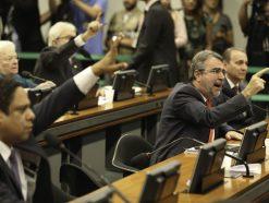 PEC da reforma tributária está em  discussão na Comissão Especial da Câmara