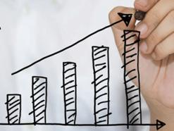 A Confederação Nacional do Comércio de Bens, Serviços e Turismo (CNC) estima aumento de 5,0% no faturamento do comércio