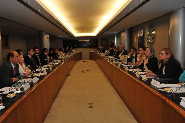 Observatório do Comércio é destaque em reunião na CNC