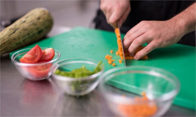 Cinco Práticas de Manipulação de Alimentos recomendadas pelo Senac
