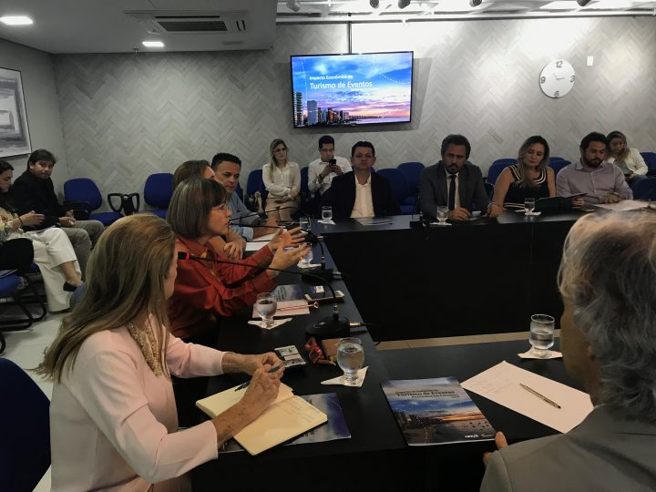 Legislativo e Executivo debatem  os números do turismo de eventos