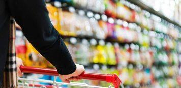 Proporção de consumidores com dívidas em atraso tem o melhor resultado em doze meses